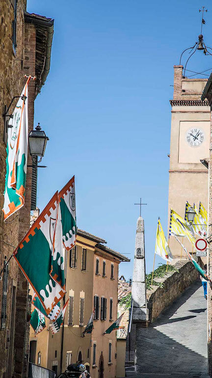 Montisi flags