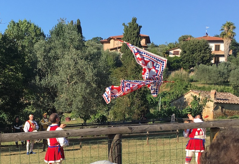 Flag throwing competition Giostra di Simone